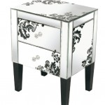Juliette - Damask-mirrored-end-table